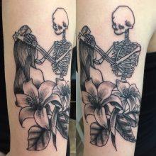 Teemu skeleton and girl